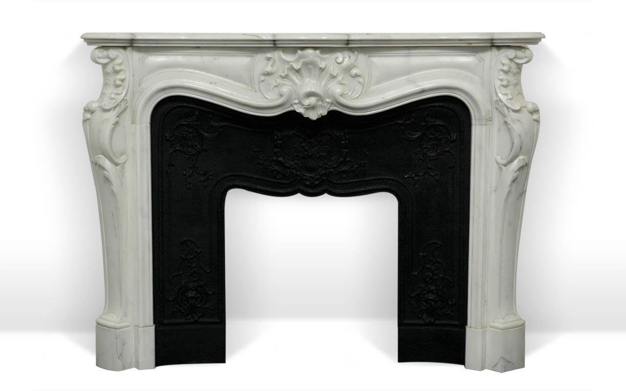 comtesse de mailly chemin e en marbre sur mesure par maison maison. Black Bedroom Furniture Sets. Home Design Ideas