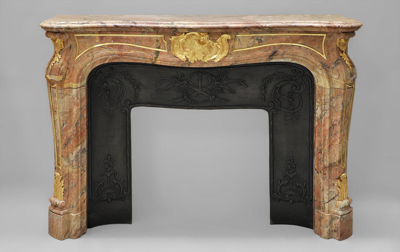Chemin es en marbre en stock disponibles l 39 achat par - Ramonage cheminee combien de fois par an ...